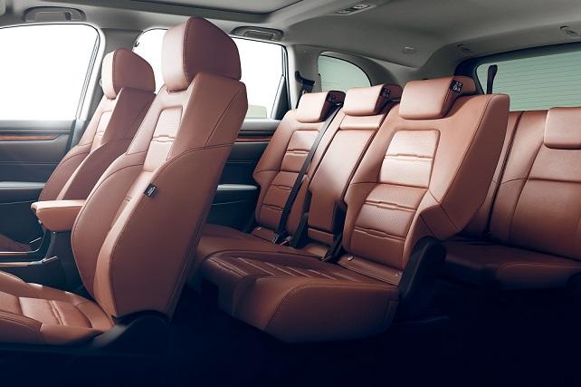 CR-V新型の3列シートはどう?ライバル車と徹底比較!